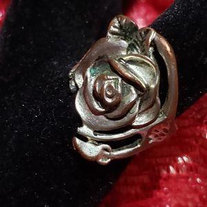Vintage silver Rose shaped ring